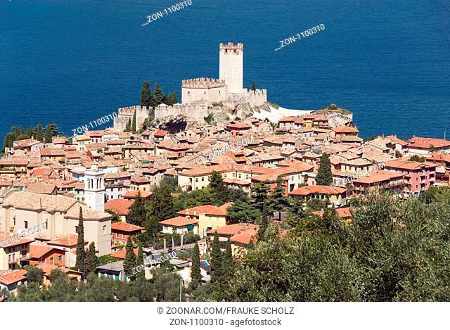 Italien, Veneto, Venetien, Malcesine, Gardasee, Blick auf den Ort, Kastell, Scaliger-Burg