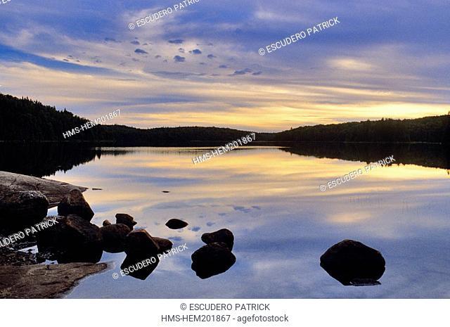 Canada, Quebec Province, Mauricie Region, Parc National de la Mauricie, dawn on a lake