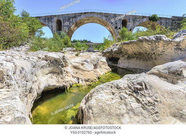 Pont Julien, Bonnieux, Provence, France