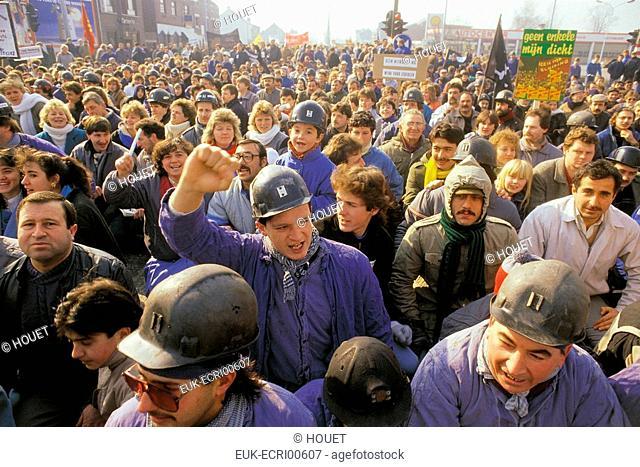 miners on strike