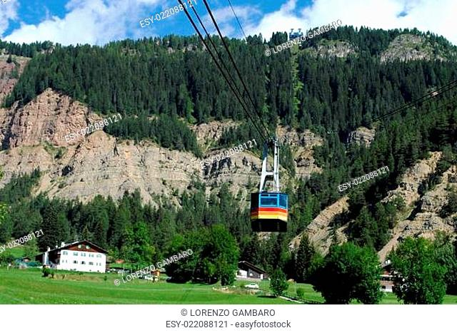 cable lift, italian mountain landscape, Dolomiti