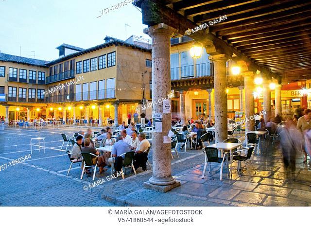 Main Square at nightfall. Tordesillas, Valladolid province, Castilla Leon, Spain