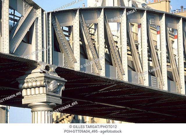tourism, France, paris 18th arrondissement, open air tube between barbes and la chapelle, ratp, paris public transportation service, metal structure