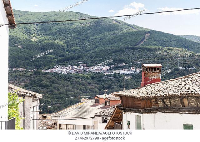 Santa Cruz del Valle visto desde Mombeltrán. Barranco de las cinco villas. Valle del Tiétar. Provincia de Ávila, Castile-Leon, Spain