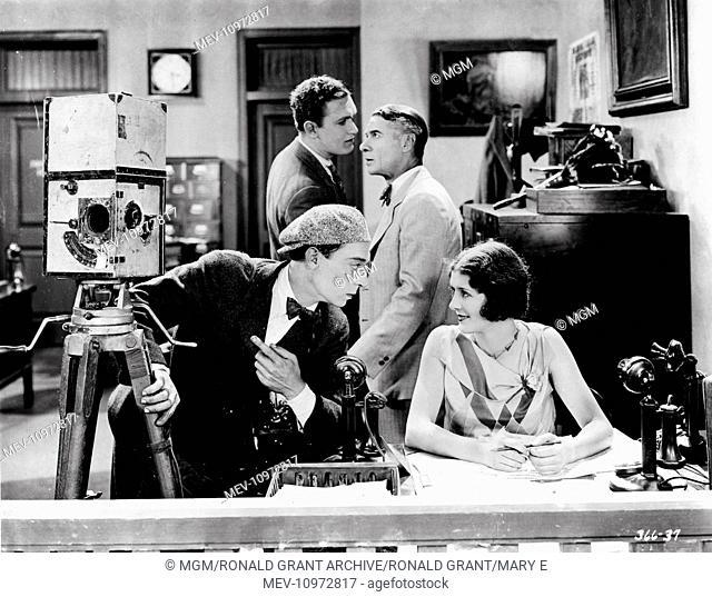 THE CAMERAMAN [US 1928] BUSTER KEATON, SIDNEY BRACEY, MARCELINE DAY