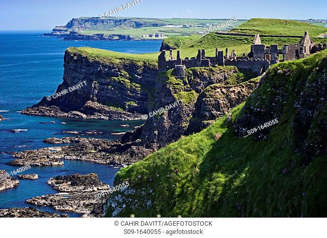United Kingdom, Northern Ireland, Derry Portrush, Lissanduff, view of Dunluce Castle looking towards the Giants Causeway