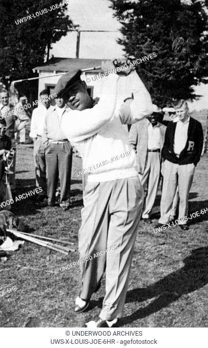 San Diego, California: 1952 Former world heavyweight boxing champion Joe Louis playing at the PGA sponsored San Diego Open Golf Tournament at the San Diego...
