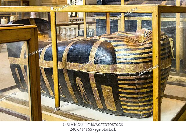 Egypt, Cairo, Egyptian Museum, from the tomb of Yuya and Thuya in Luxor : Mummy-shaped (second) coffin of Yuya