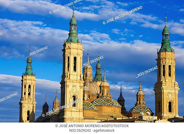Zaragoza, Basílica del Pilar, Basilica del Pilar Square, Saragossa, Aragon, Spain