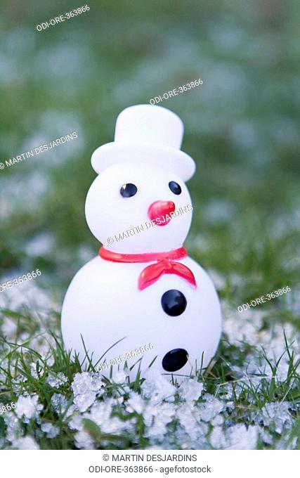 Snow man figurine