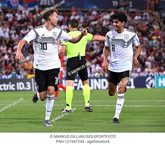 goaljubel after the 5-0: goalkeeper Luca Waldschmidt (Germany) and Mahmoud Dahoud (Germany). GES / Football / U21 Euro: Germany - Serbia, 20.06
