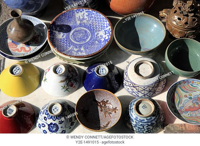Pottery, Insadong, Insadong is famous for its handicrafts, Seoul, South Korea, Asia