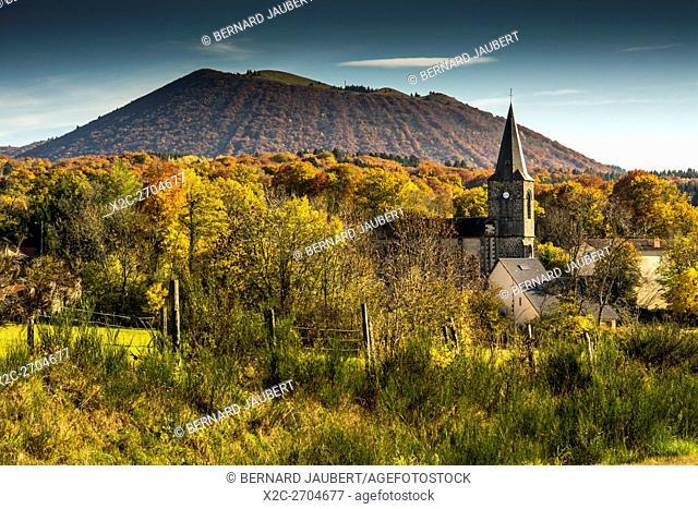 Puy de Côme. Natural regional park of Volcans d'Auvergne. Puy de Dome. Auvergne. France