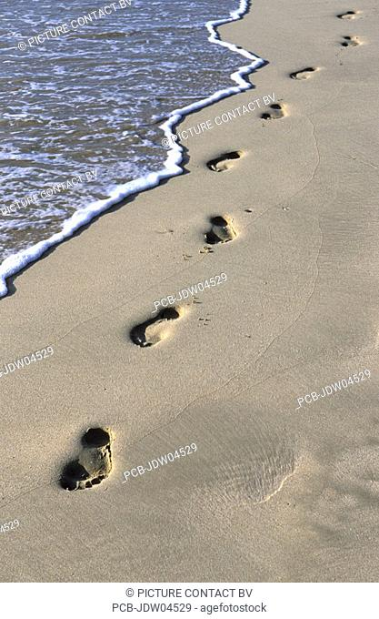 Ngapali Beach, footprints in the white sand