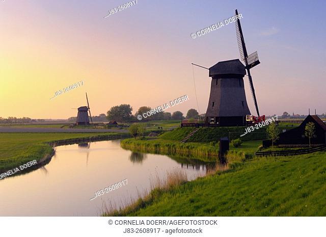 Traditional Dutch Windmill, Schermerhorn, Holland, Netherlands, Europe