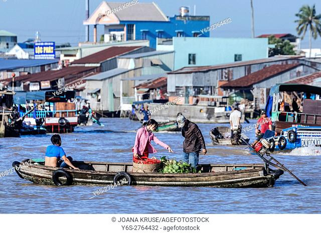 floating market in Can Tho, Mekong Delta, Vietnam, Asia
