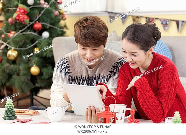 Harmonious couple on Christmas Day