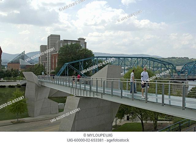 Hunter Art Museum glass pedestrian bridge over Tennessee River Downtown Chattanooga