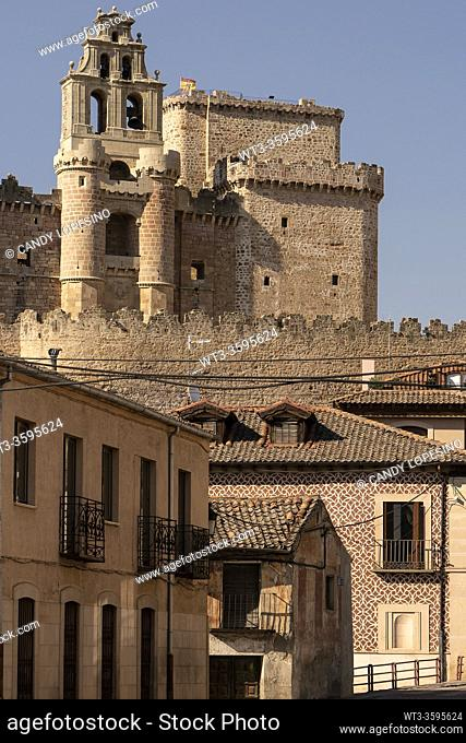 Castle of Turégano and traditional architecture, TURÉGANO, SEGOVIA province, CASTILLA-LEON, SPAIN, EUROPE