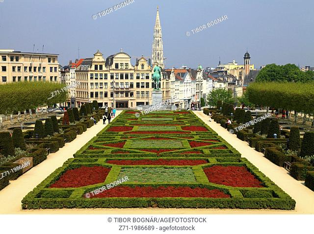 Belgium; Brussels; Place del'Albertine, skyline,
