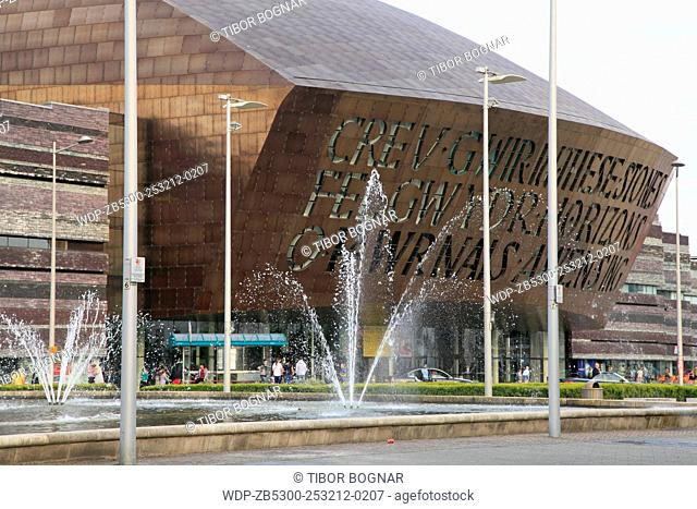 UK, Wales, Cardiff, Bay, Millennium Centre, Roald Dahl Plass