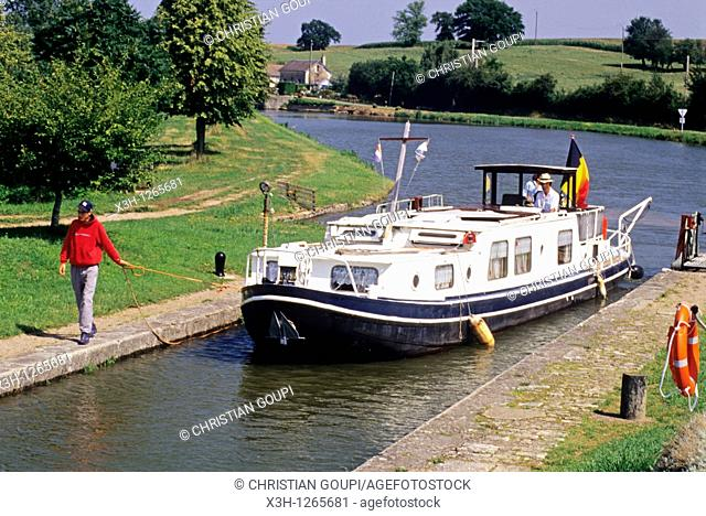 river tourisme on the Canal du Nivernais, Nievre department, region of Burgundy, center of France, Europe