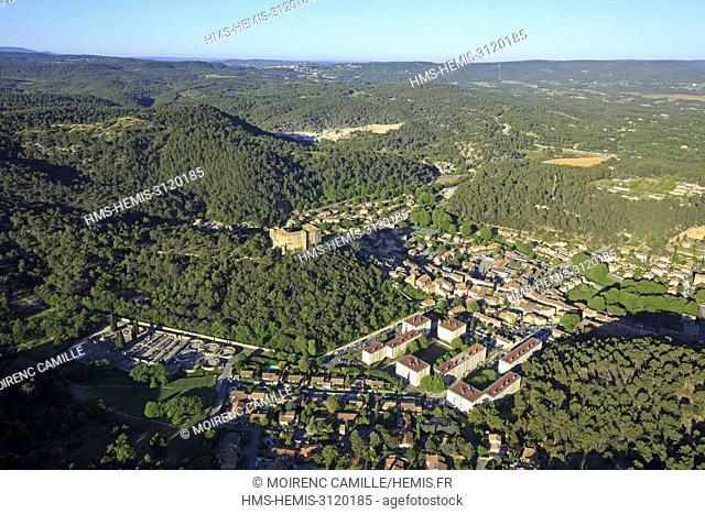 France, Bouches du Rhone, Pays d'Aix, Sainte Victoire Site, Meyrargues (aerial view)