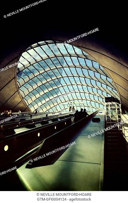 Interior of Canary Wharf underground station