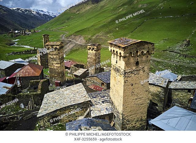 Georgie, Svanetie, la Haute Svanetie, Ushguli, village le plus haut d'Europe avec les maisons tours appellées Koki / Georgia, Svaneti, Ushguli