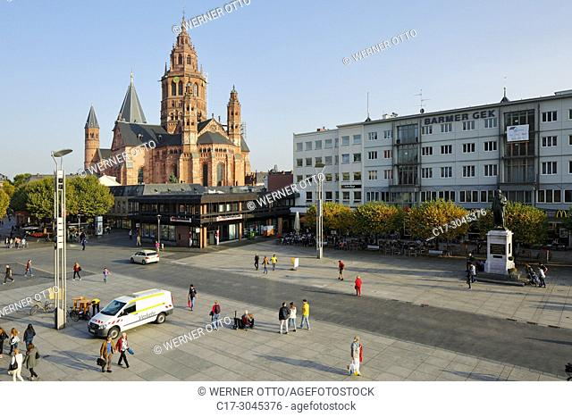 Mainz, D-Mainz, Rhine, Rhine-Main district, Rhineland, Rhineland-Palatinate, Mainz Cathedral and Gutenberg Square with Gutenberg Monument, St