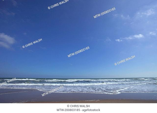 Lunan bay waves surf beach summer deserted