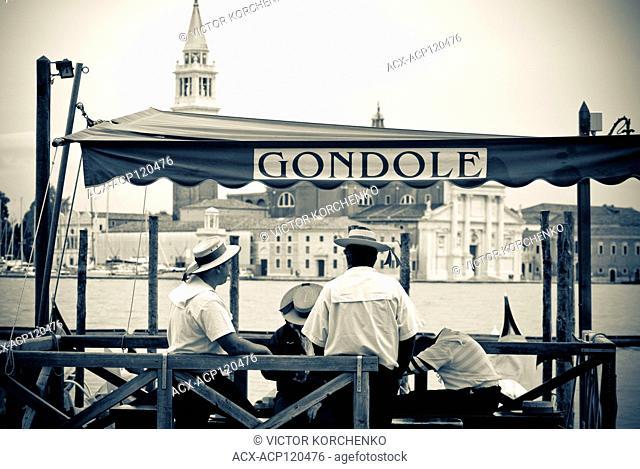 Gondola operators waiting