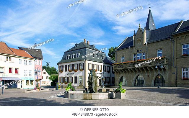 D-Bad Sobernheim, Nahe, Nahetal, Soonwald, Naturpark Soonwald-Nahe, Nordpfaelzer Bergland, Hunsrueck, Rheinland-Pfalz, Marktplatz, Marktbrunnen, Apotheke