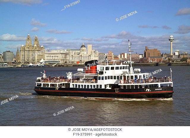 Liverpool Skyline, Ferry, River Mersey, Liverpool, Merseyside, England