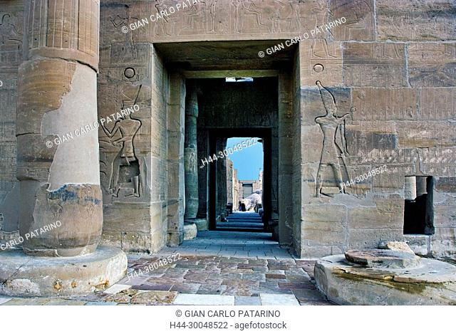 Ramesseum Luxor Egypt: Ramesseum : the funeral temple of pharaoh Ramses II the Great(1303-1213 b.C. XIX° dyn.The entrance at the hypostyle hall
