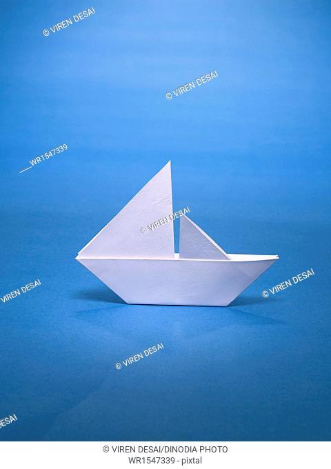 origami sailboat India Asia