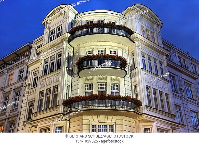 Historisches Gebäude an der Aussenalster, Hamburg, Deutschland , Historical Building at River Alster, Hamburg, Germany