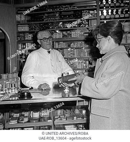 Die Gründerin des Bereichs Frauenfunk im NWDR Dorothea Kempa-Rohne, Deutschland 1960er Jahre. Founder of women's advisory radio Dorothea Kempa-Rohne
