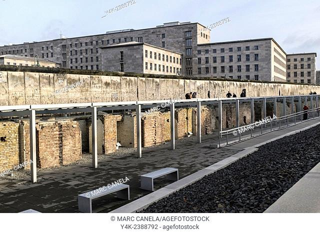 Europe, Germany, Berlin, The Berlin Wall German: Berliner Mauer was a barrier that divided Berlin from 1961 to 1989, constructed by the German Democratic...