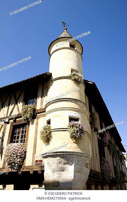 France, Gironde, Sainte Foy la Grande, architecture in the Bastide
