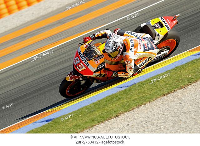 93 Marc Marquez of Spain and Repsol Honda Team rounds the bend during the MotoGP Testing - 2017 Seasson at Circuit of Valencia Ricardo Tormo on November 15