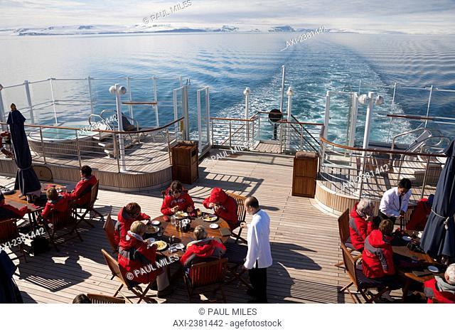 Cruising around Svalbard; Svalbard, Norway