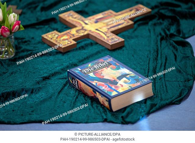 14 February 2019, North Rhine-Westphalia, Herford: An edition of the Bible lies on a blanket. NRW-Schulministerin Gebauer (FDP) visits a comprehensive school...