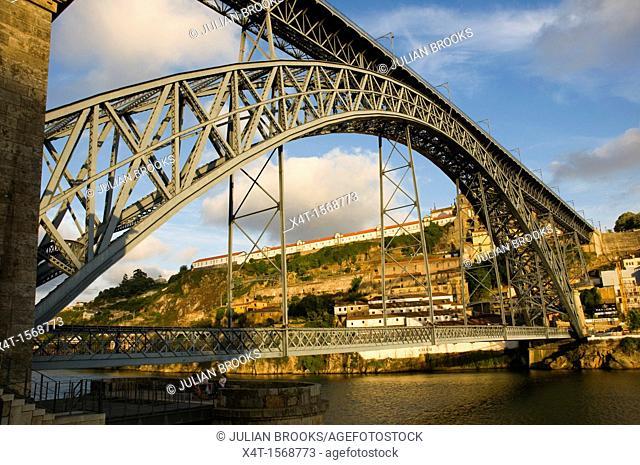 Ponte Dom Luis, Bridge in Porto, Portugal