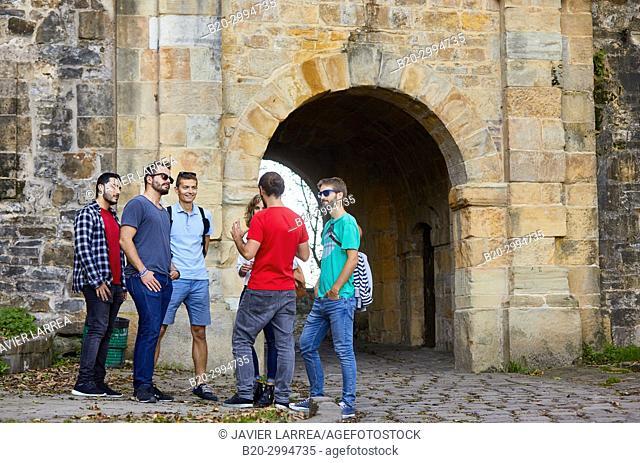 Group of tourists and guide making a tour of the city, Climb to Mount Urgull, Baluarte del Mirador, Donostia, San Sebastian, Gipuzkoa, Basque Country, Spain
