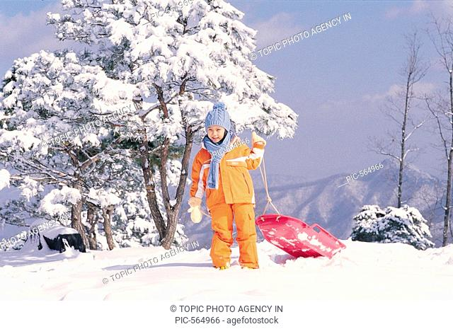 A Girl With Sled,Korean