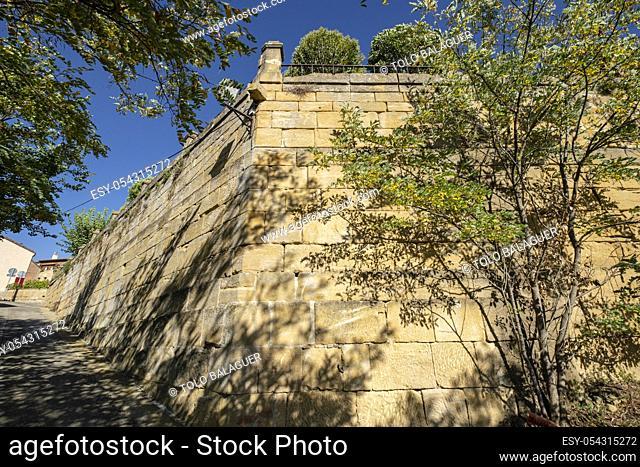 muralla, Briones, La Rioja, Spain