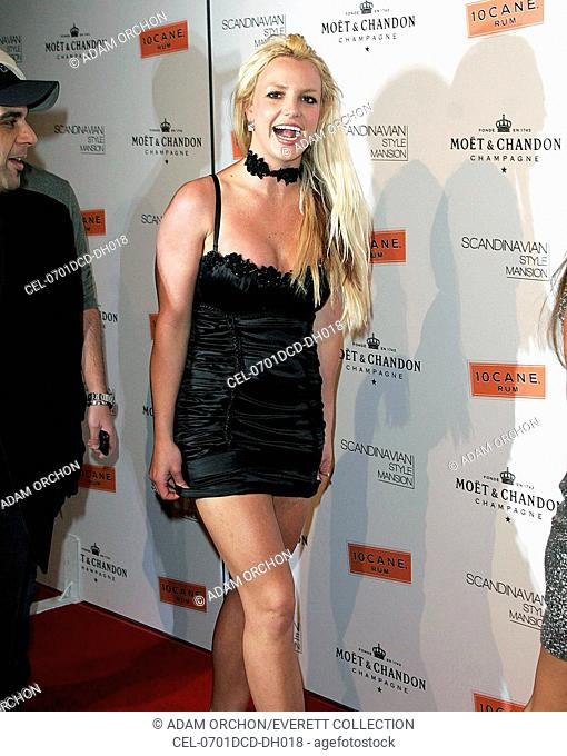 Britney Spears at arrivals for Scandinavian Style Mansion, 206 North Carolwood Drive, Bel Air, CA, December 01, 2007. Photo by: Adam Orchon/Everett Collection