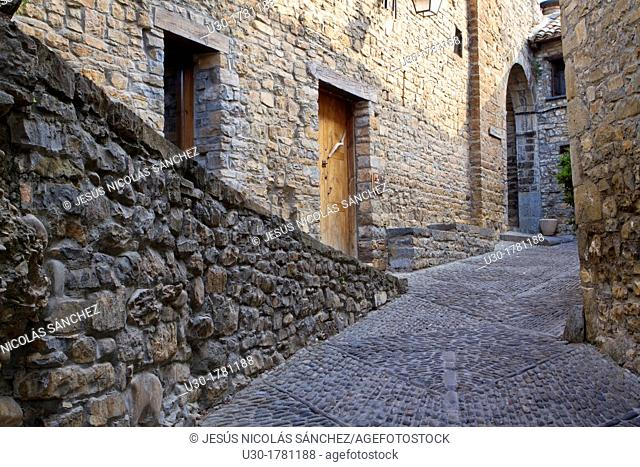Detail of a street of medieval Aínsa village, in Sobrarbe region, declarated Historical-Artistic Site  Huesca, Aragón, Spain