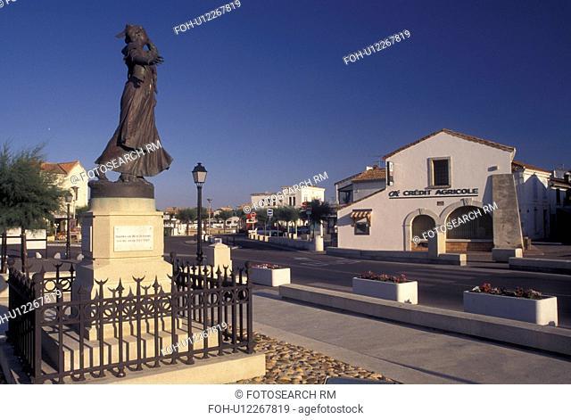 France, Saintes-Maries-de-la-Mer, Camargues, Bouches-du-Rhone, Provence, Europe, Statue in the village of Saintes-Maries-de-la-Mer
